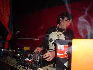 2004-02-07_12_namshub.jpg